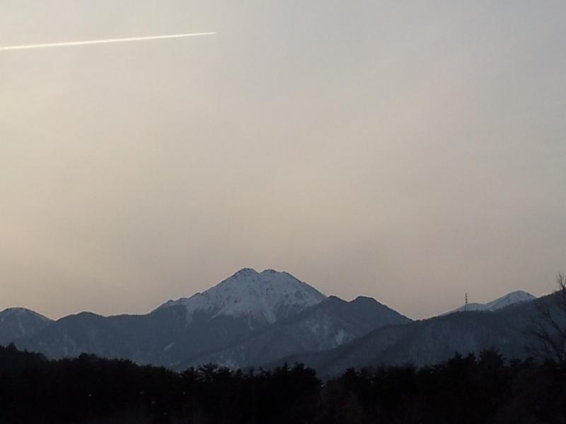 20140226常念岳と飛行機雲